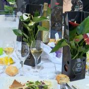 Remise des fleurs pour la journée de la femme 02